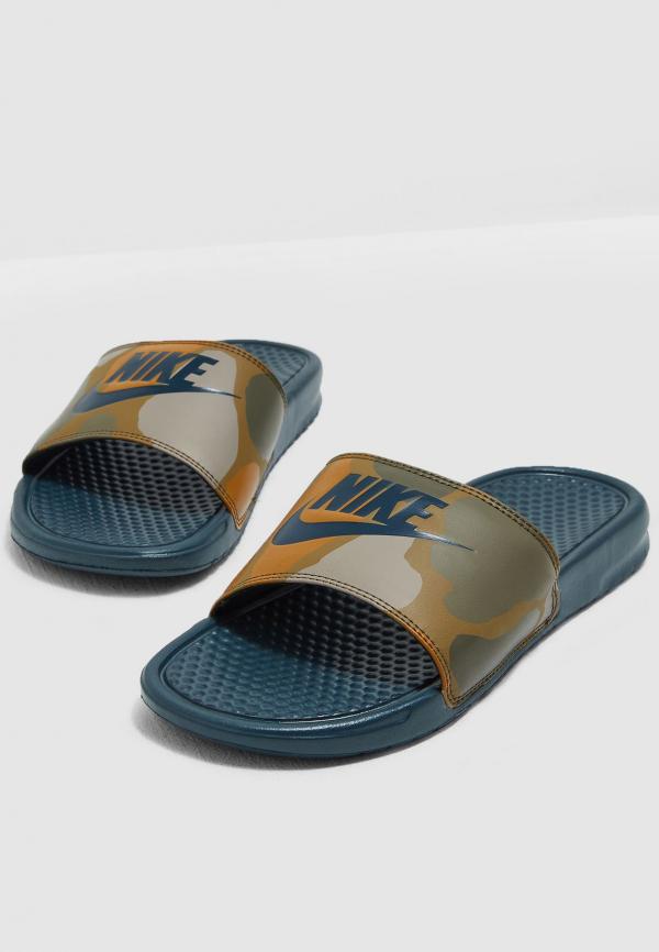 dep-Nike-benassi-chinh-hang-631261-300