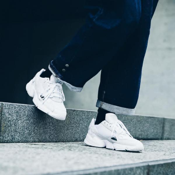 '-adidas-chinh-hang-falcon-crystal-white