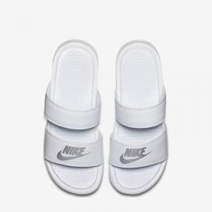 dep-Nike-Benassi-chinh-hang