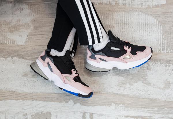 giay-adidas-falcon-chinh-hang-falcon-black-pink