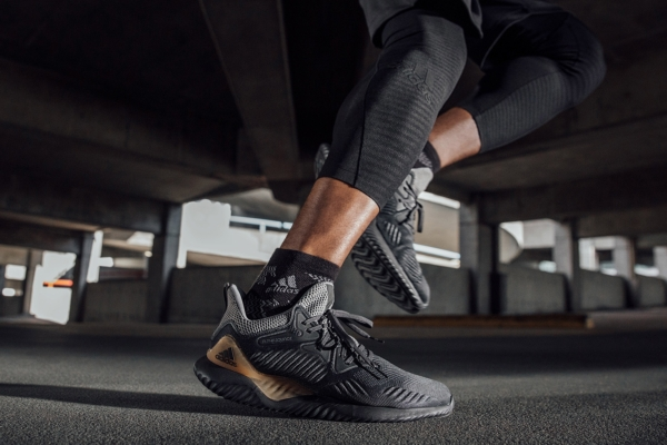 '-adidas-chinh-hang-alphabounce-beyond-triple-black