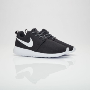 '-Nike-chinh-hang-Roshe-One-Black