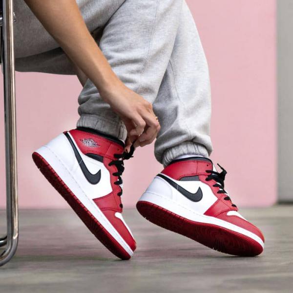 giay-Nike-Air-Jordan1-chinh-hang-Chicago-554725-173